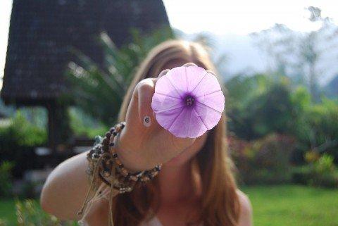 紫ニキビ 原因 治し方