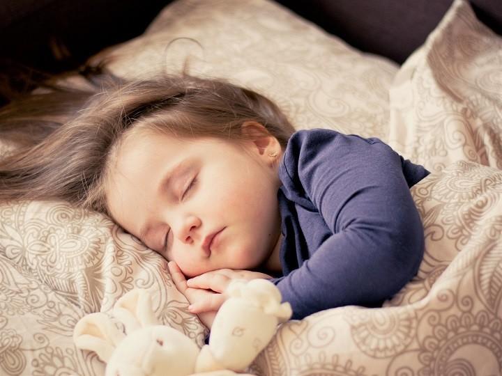ニキビ跡 簡単に消す方法 睡眠