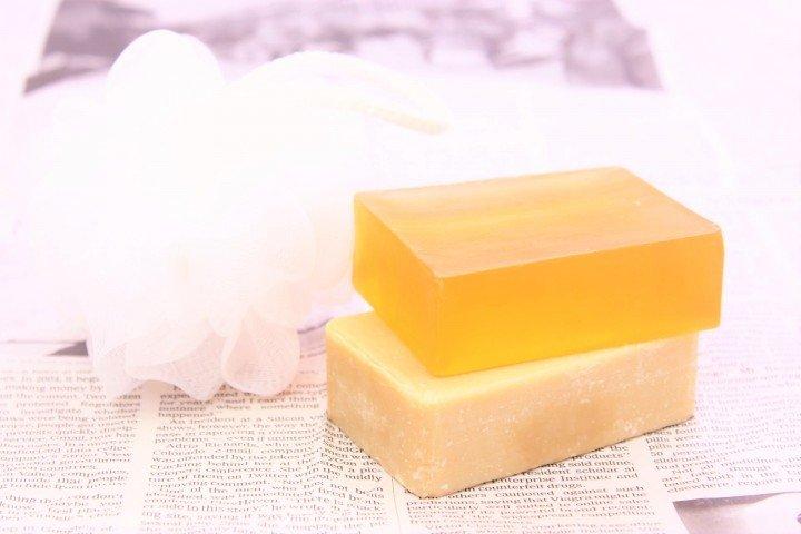 ピーリング石鹸 皮膚科 ニキビ 市販薬 コスメ