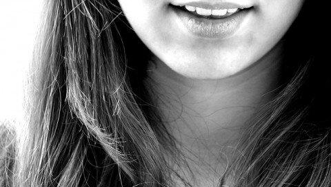 顎 ニキビ